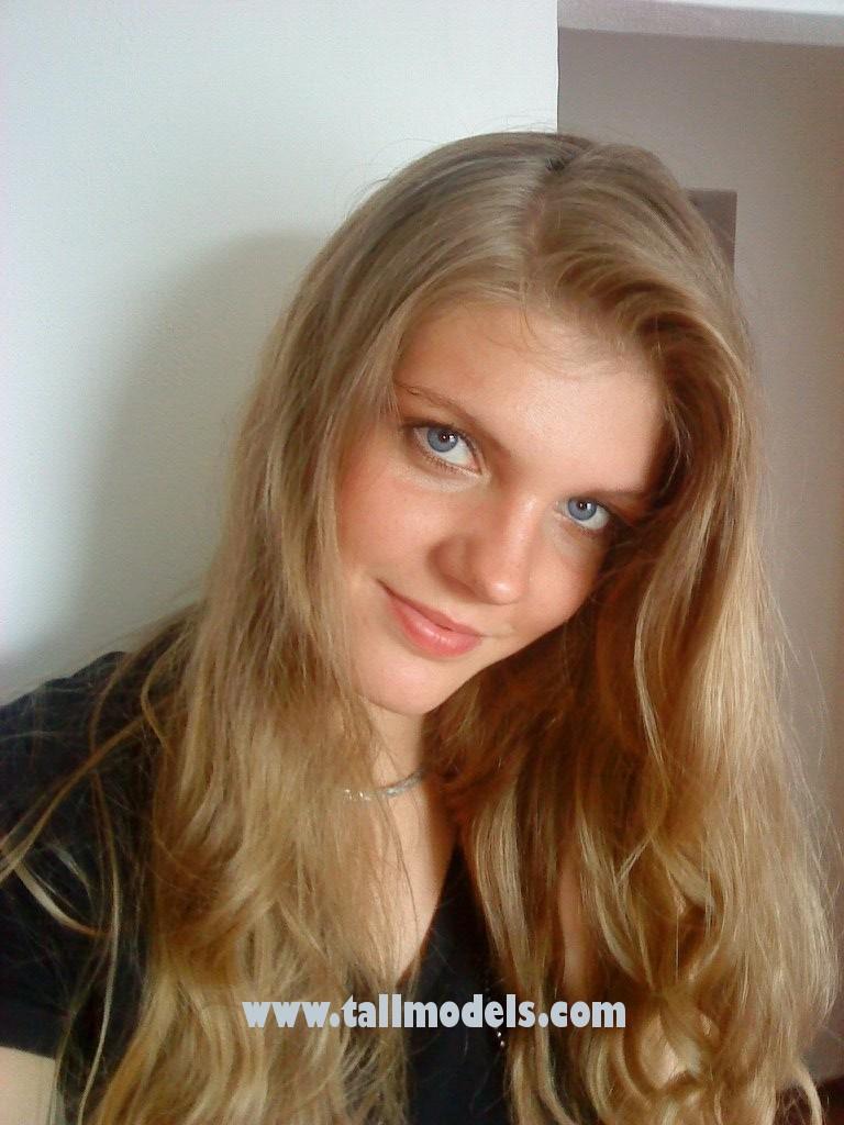 Claudia 6 7 200 Cm Tallmodels Com Tall Models Agency